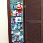 Covered matching niche to be used as a medicine cabinet